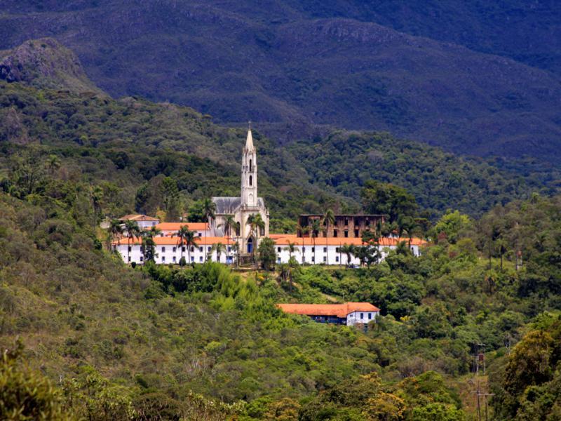 Santuário do Caraça, em Catas Altas, passa exigir cartão de vacina contra febre amarela