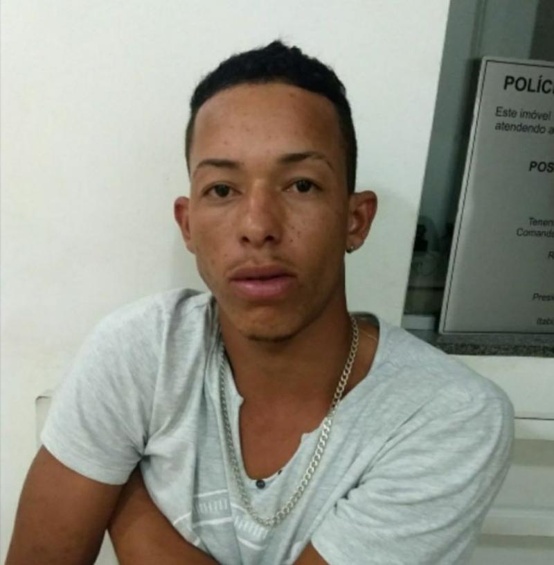 Polícia Militar prende jovem de 26 anos por tráfico de drogas no Gabiroba