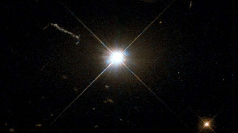 O monstruoso buraco negro recém-descoberto que engole um Sol a cada dois dias