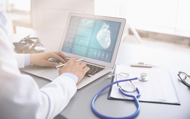 CFM regulamenta telemedicina no país; atendimento deverá ser gravado