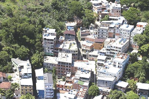 Morros e favelas no Rio são guetos tomados por milícias