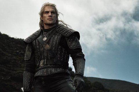 Netflix divulga primeiras imagens de Henry Cavill como Geralt de Rivia