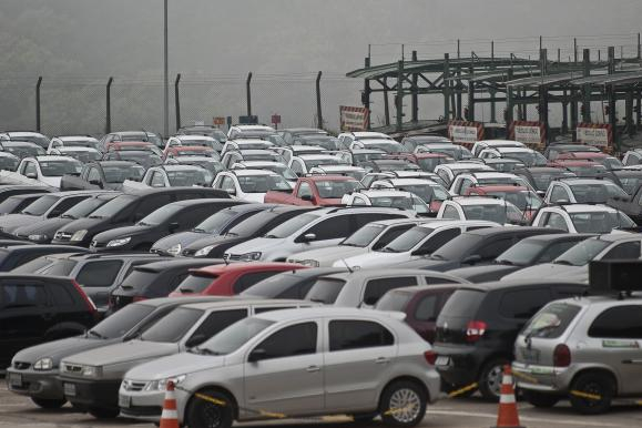 Novo acordo automotivo entre Brasil e Argentina prevê livre-comércio em 2029