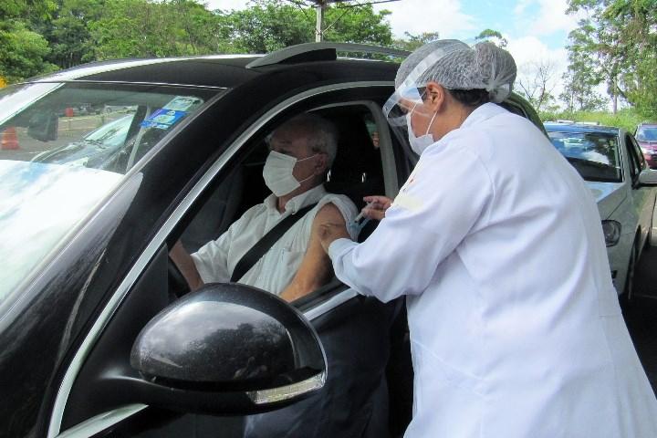 Segunda dose da vacina para profissionais da saúde será aplicada nesta quarta e quinta-feira em Itabira