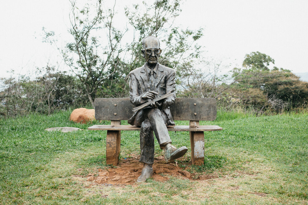 Há 173 anos nascia Itabira, terra do poeta Carlos Drummond de Andrade