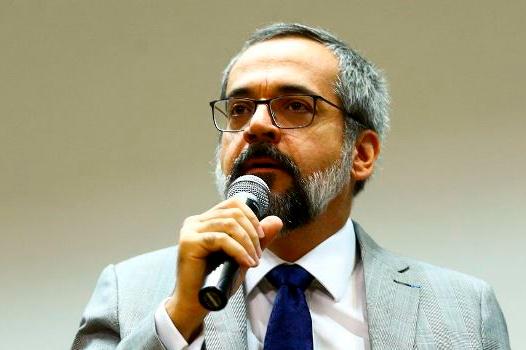 Weintraub sugere adiamento do Enem por até 60 dias