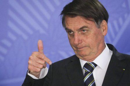 Bolsonaro sanciona PL sobre posse de armas em propriedade rural