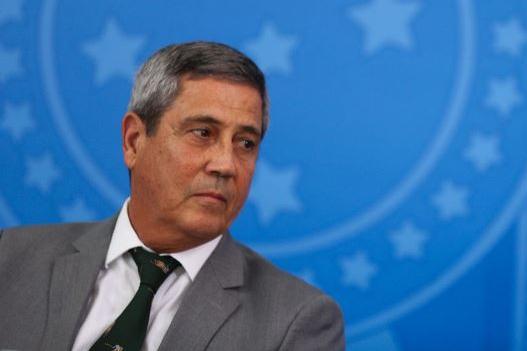 Ministro Braga Netto tem resultado positivo para covid-19