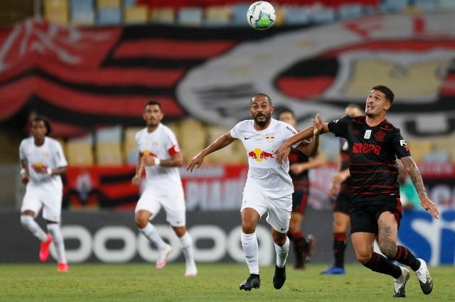 Flamengo empata com Bragantino e perde chance de virar líder