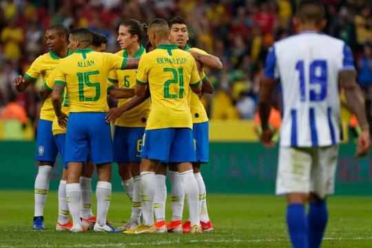 Brasil goleia Honduras em último teste para a Copa América