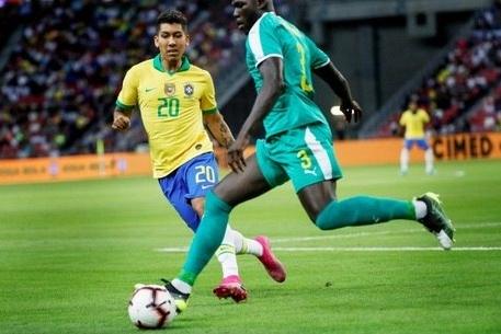 No 100º jogo de Neymar, Ederson brilha e Brasil empata com Senegal