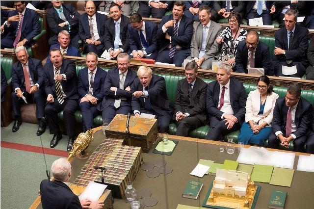 Câmara dos Lordes aprova lei para bloquear Brexit sem acordo