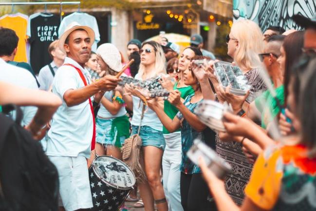 Justiça proíbe carnaval clandestino nos ônibus e metrô de BH sob pena de multa de R$ 50 mi