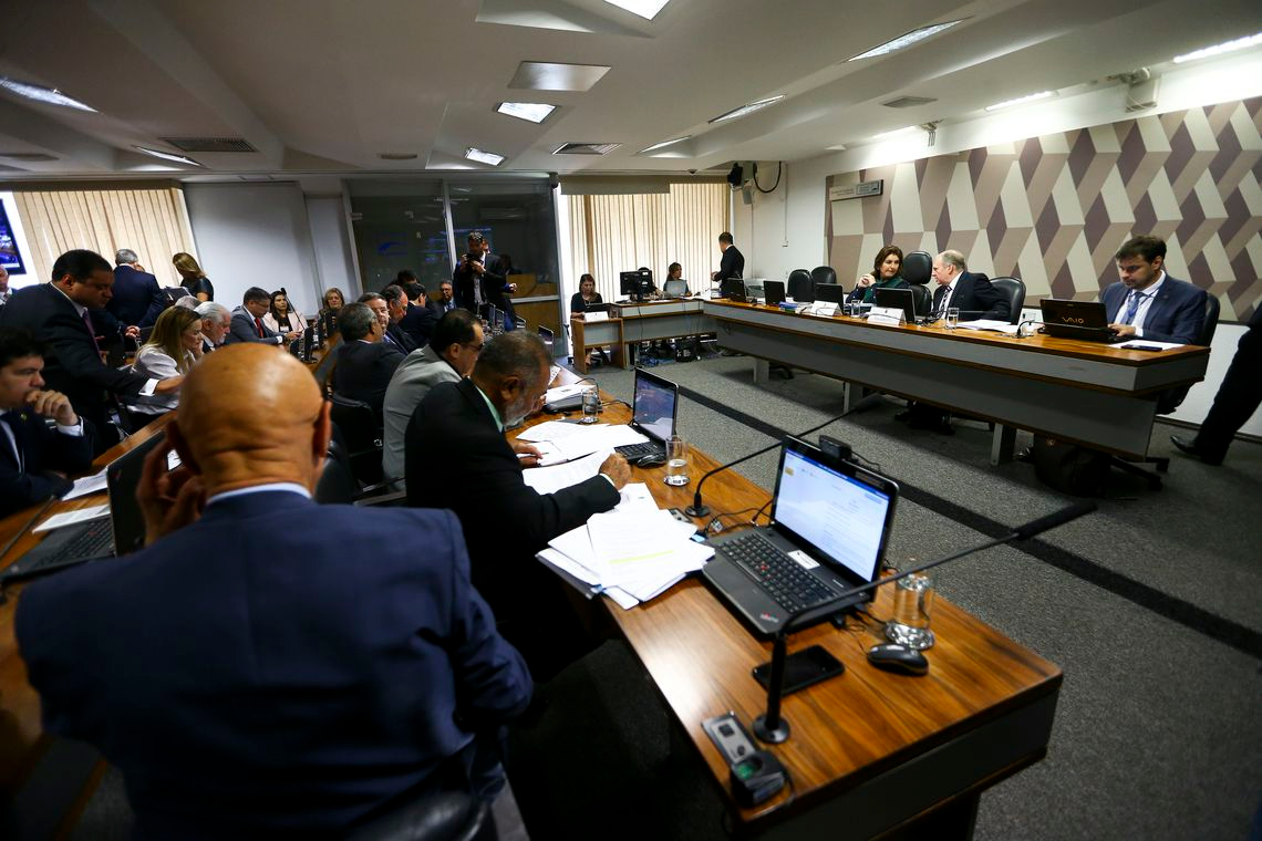 CCJ do Senado aprova relatório da reforma da Previdência