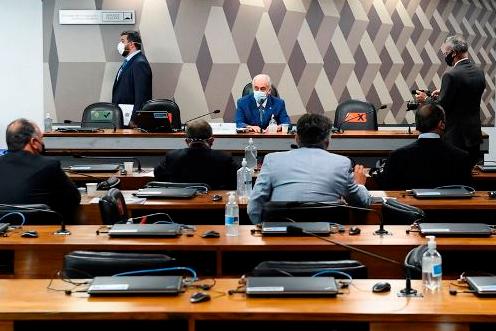 CPI aprova semana de depoimentos de ex-ministros e atual da Saúde