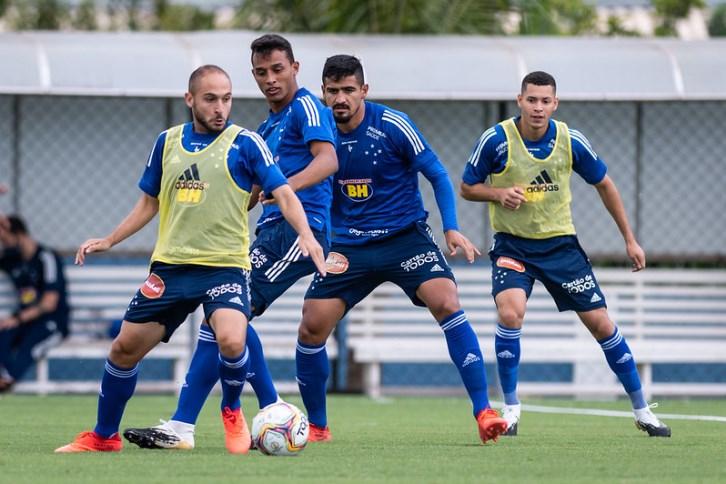 Ainda sonhando com acesso, Cruzeiro busca vitória contra o Cuiabá para aumentar o aproveitamento