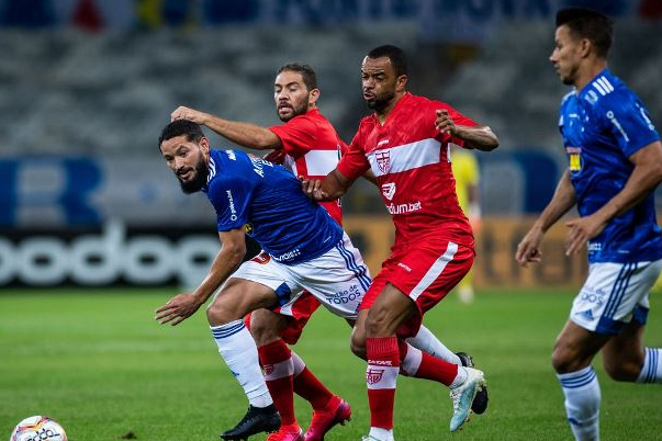 Série B: Cruzeiro vacila e empata em casa com CRB