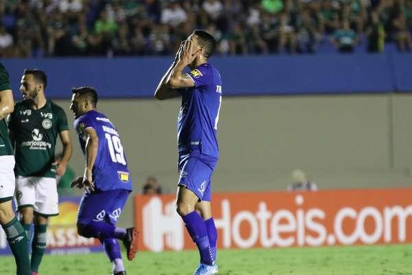 Cruzeiro perde para o Goiás na estreia de Abel Braga