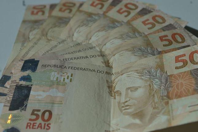 Contas públicas registram saldo positivo após 8 meses de deficit
