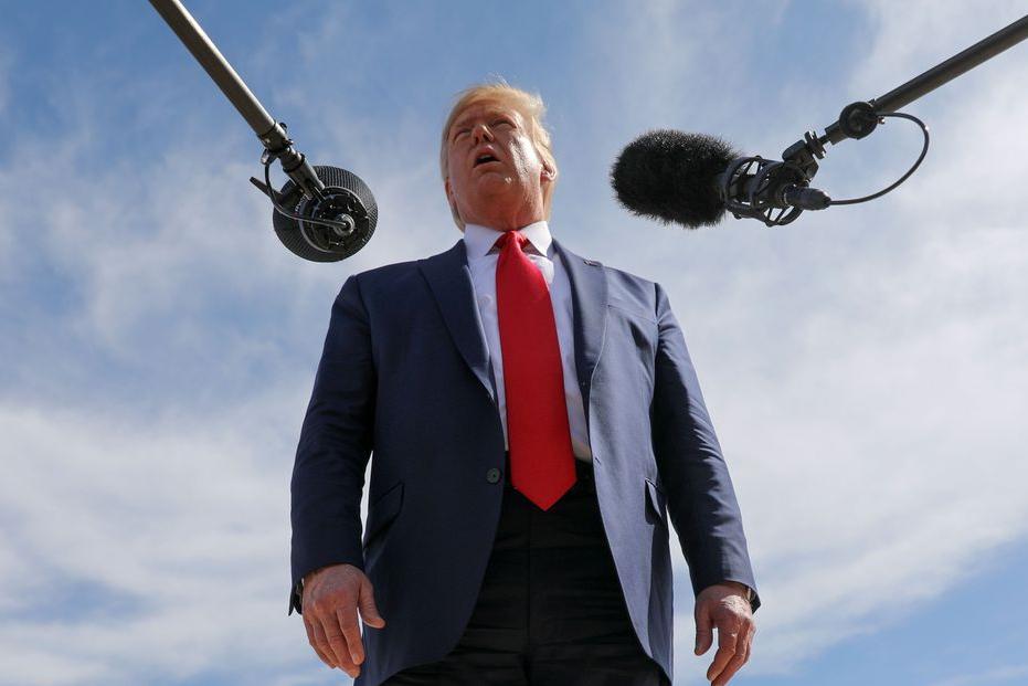 """Trump promete """"forte retaliação"""" caso Irã contra-ataque"""