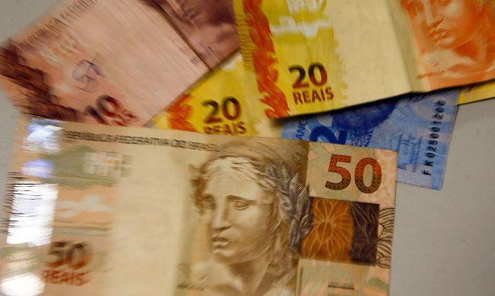 notas de dinheiro real
