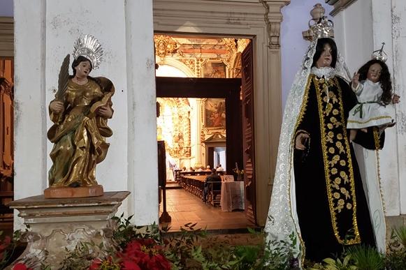 Peças sacras restauradas da Capela de Santa Quitéria são entregues à comunidade em Catas Altas