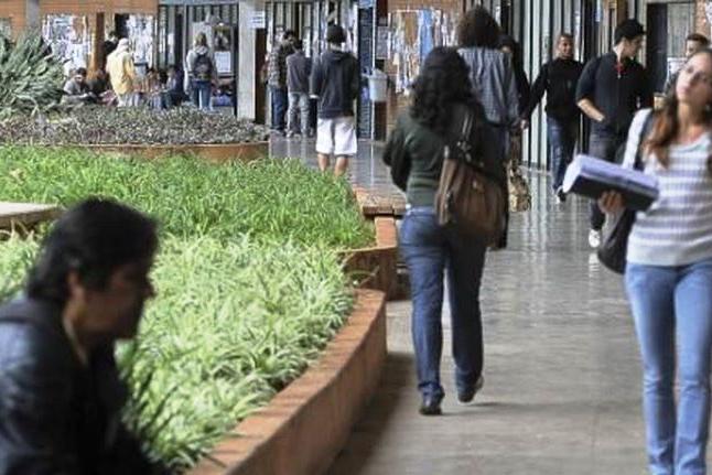 Estudo mostra o perfil do estudante universitário brasileiro