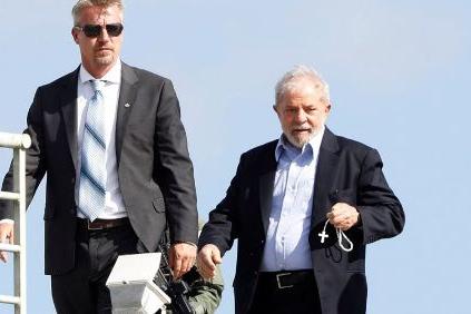 Com possível semiaberto, Lula começa a receber propostas de emprego