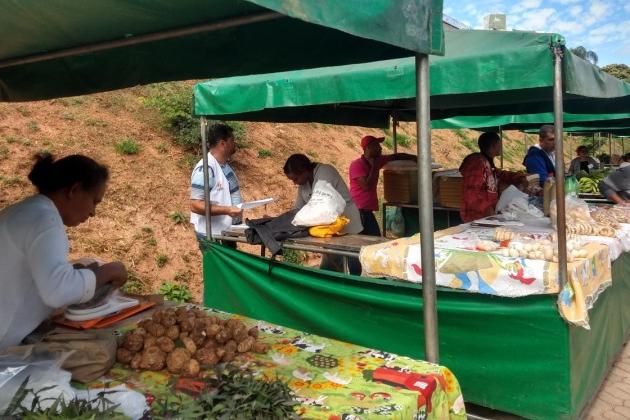 Na Onda Amarela, Feira Livre volta a funcionar em Itabira