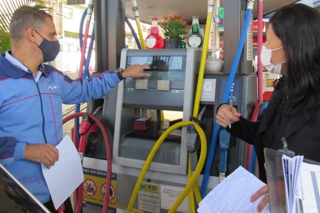 """Itabira participa da operação """"Petróleo Real"""" direcionada a postos de combustíveis"""