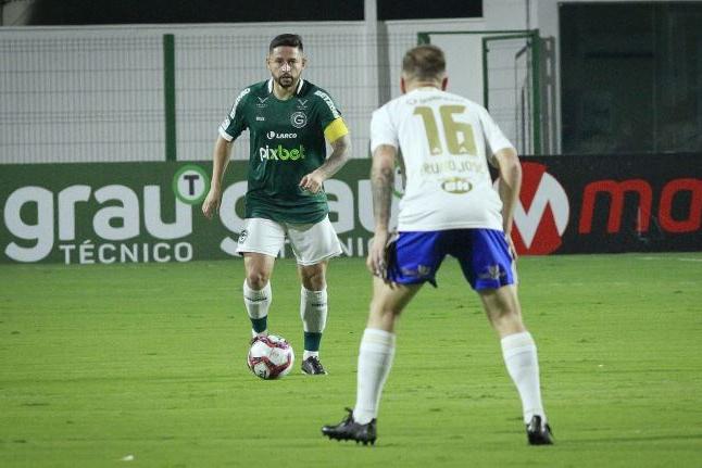 Série B: Goiás arranca empate com Cruzeiro e permanece no G4