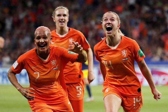 Holanda vence Suécia e disputa final da Copa feminina com EUA