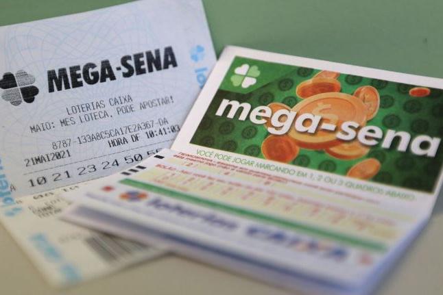 Mega-Sena deve pagar hoje prêmio de R$ 10,5 milhões