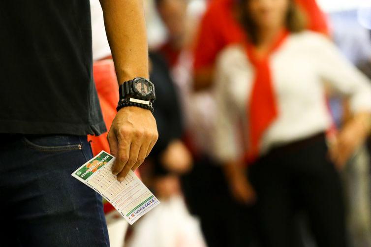 Mega-Sena sorteia neste sábado prêmio de R$ 10 milhões