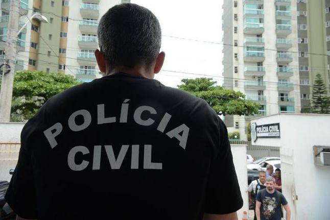 Polícia cumpre mandados contra milícia no Rio de Janeiro