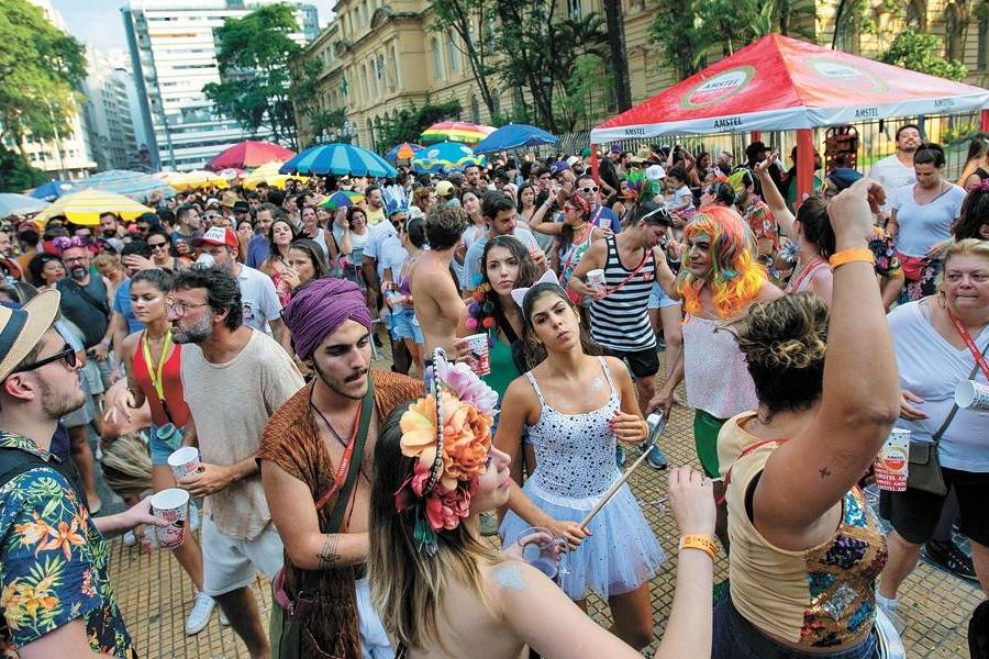 Pré-Carnaval em SP tem baleados e 413 pessoas detidas