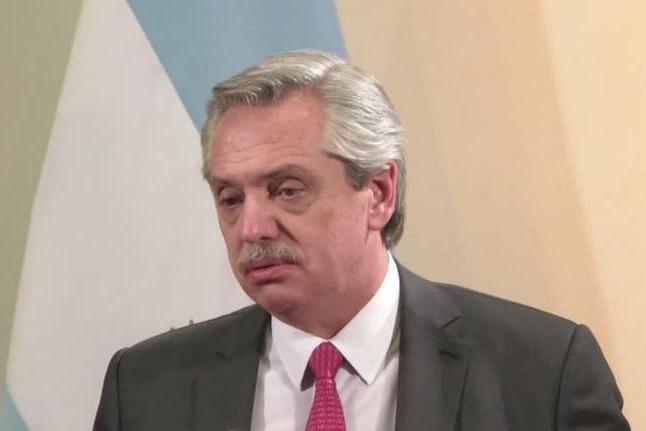 Presidente da Argentina testa positivo para covid-19