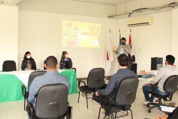 Prefeitura de Nova Era lança o programa Família Acolhedora