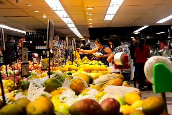 Prévia da inflação em setembro fica em 0,45%, diz IBGE
