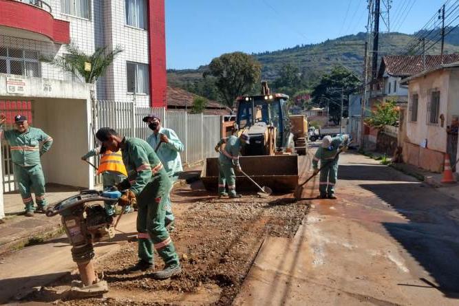 Operação tapa-buraco chega a 41 bairros de Itabira