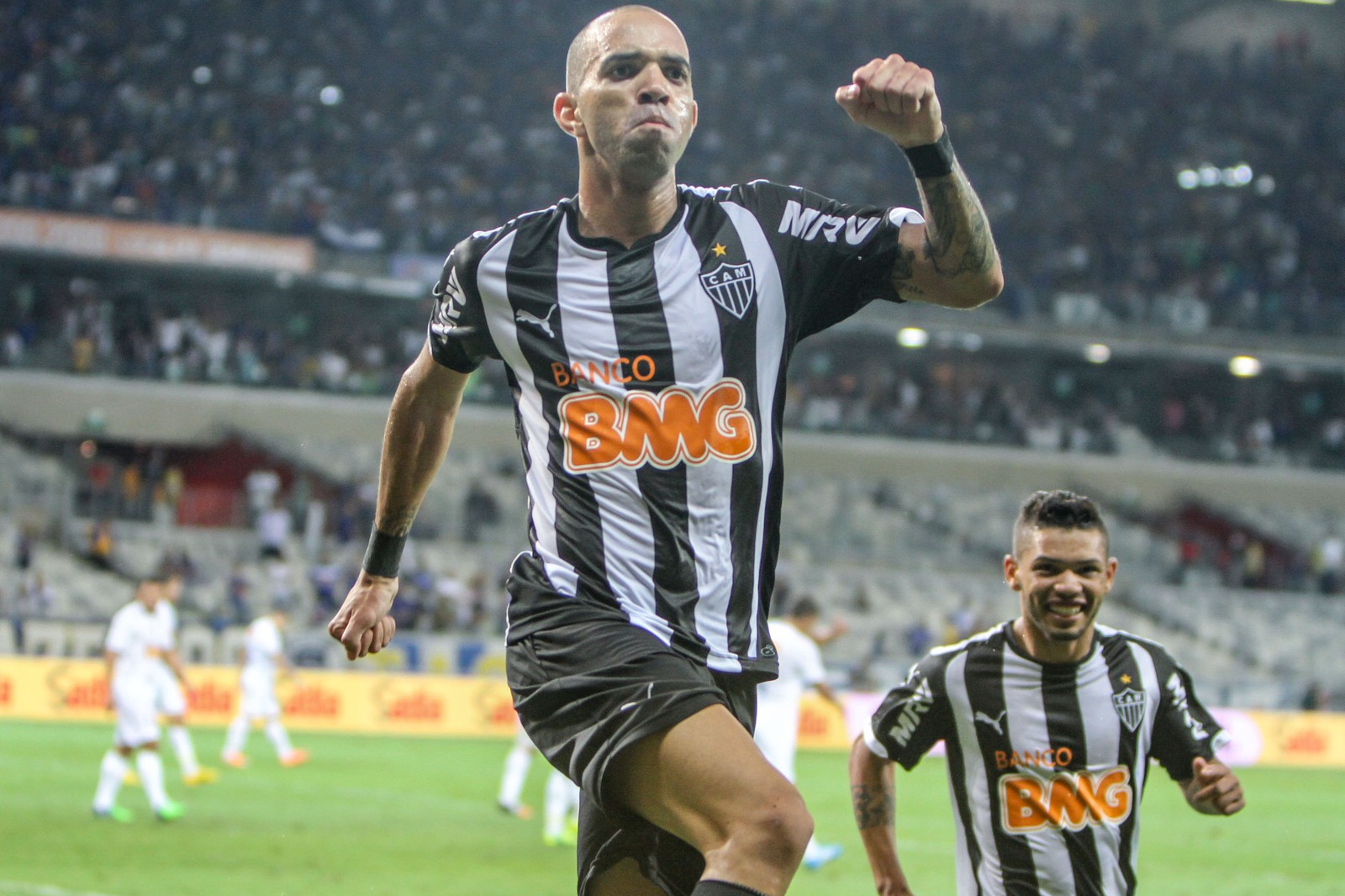 Atlético-MG oficializa retorno de Diego Tardelli