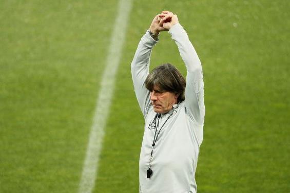 Löw continuará como técnico da Alemanha na Eurocopa, diz federação