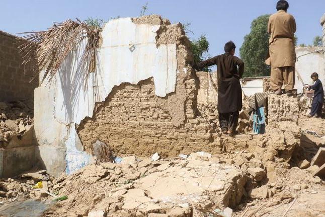 Terremoto mata pelo menos 20 no Paquistão; centenas estão feridos