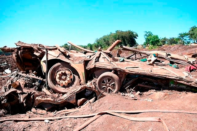 Funcionário da Vale diz que lama vazou em Brumadinho antes de tragédia